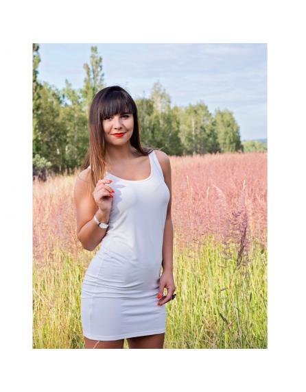 Biała prosta sukienka na ramiączkach